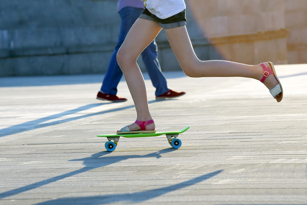 how to push on a skateboard